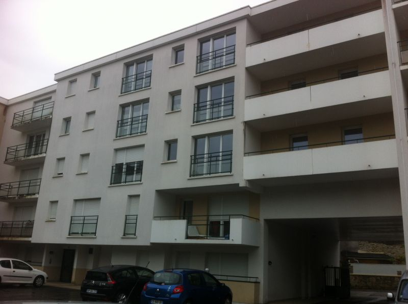 EXCLUSIVITE A VENDRE DANS RESIDENCE DE STANDING APPARTEMENT 2 PIECES DE 46M2 PARKING PRIVATIF COUVERT VREST