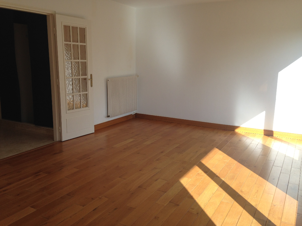 A VENDRE APPARTEMENT 4 PIECES DE 82M2 PARKING PRIVATIF BREST BONNE NOUVELLE