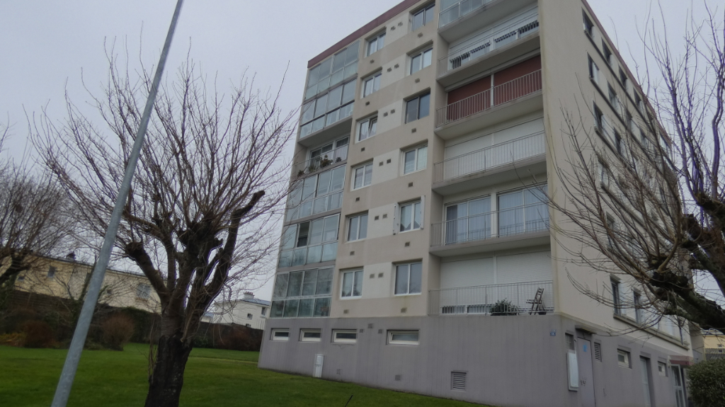 APPARTEMENT A VENDRE EXCLUSIVITE GRAND T2 BALCON POSSIBILITE GARAGE BREST KERICHEN